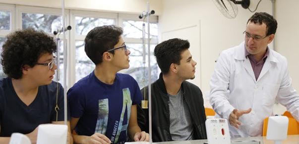 A Faculdade Sesi de Educação terá como objetivo formar especialistas em ensinar.